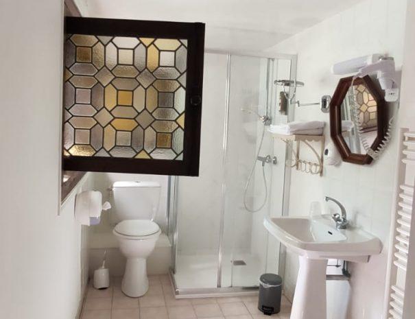 Salle-de-bain de la chambre Cèdre